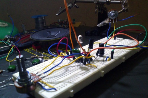 555 Simple Oscillator<br /> 01