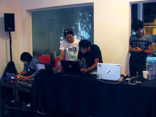 carp2dragon artists setting up