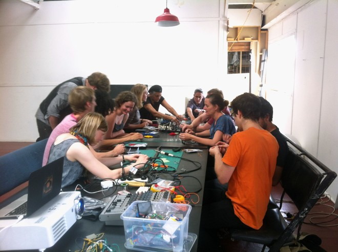 IBP Squaresynth - DIY Electronic Workshop Medialab Melbourne 02 web