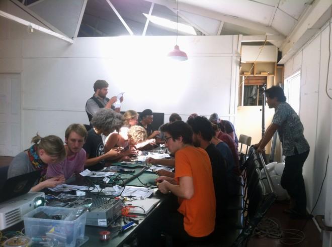 IBP Squaresynth - DIY Electronic Workshop Medialab Melbourne 04 web