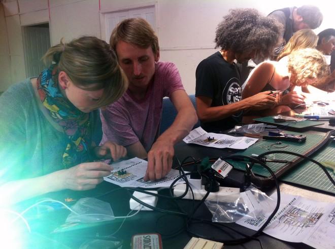 IBP Squaresynth - DIY Electronic Workshop Medialab Melbourne 05 web